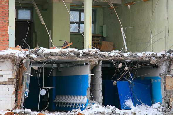 Стадион в январе 2011 года, фоторепортаж The Village «На последнем дыхании». Изображение № 6.