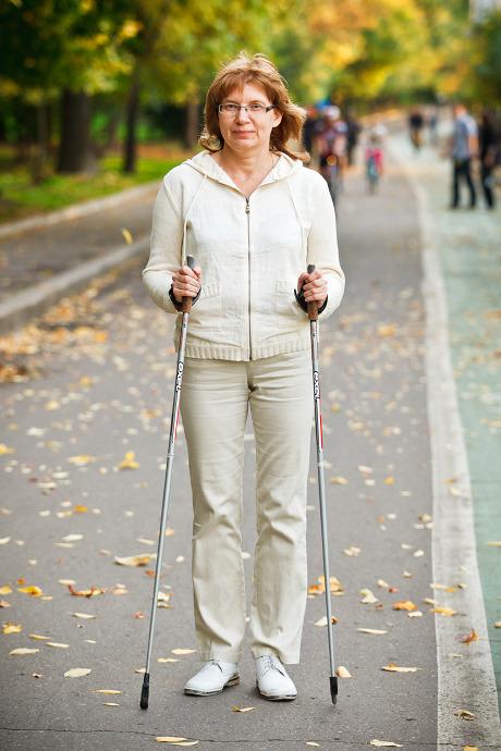Люди в городе: Кто занимается скандинавской ходьбой. Изображение №18.