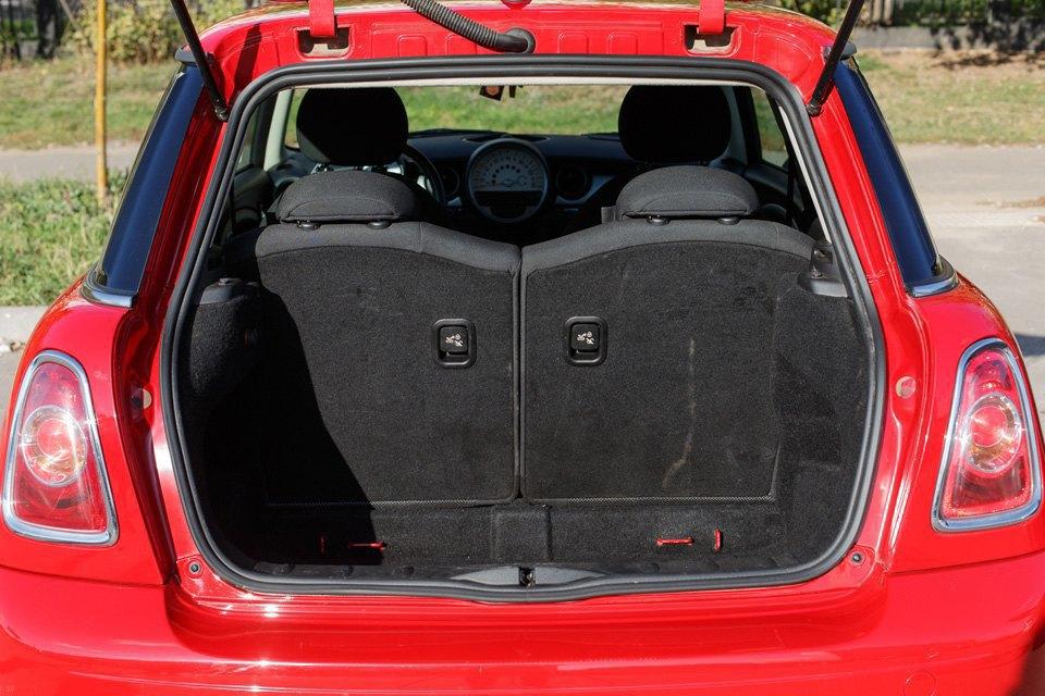 Диван, чемодан, саквояж: Что влезет вгородскую малолитражку. Изображение № 2.