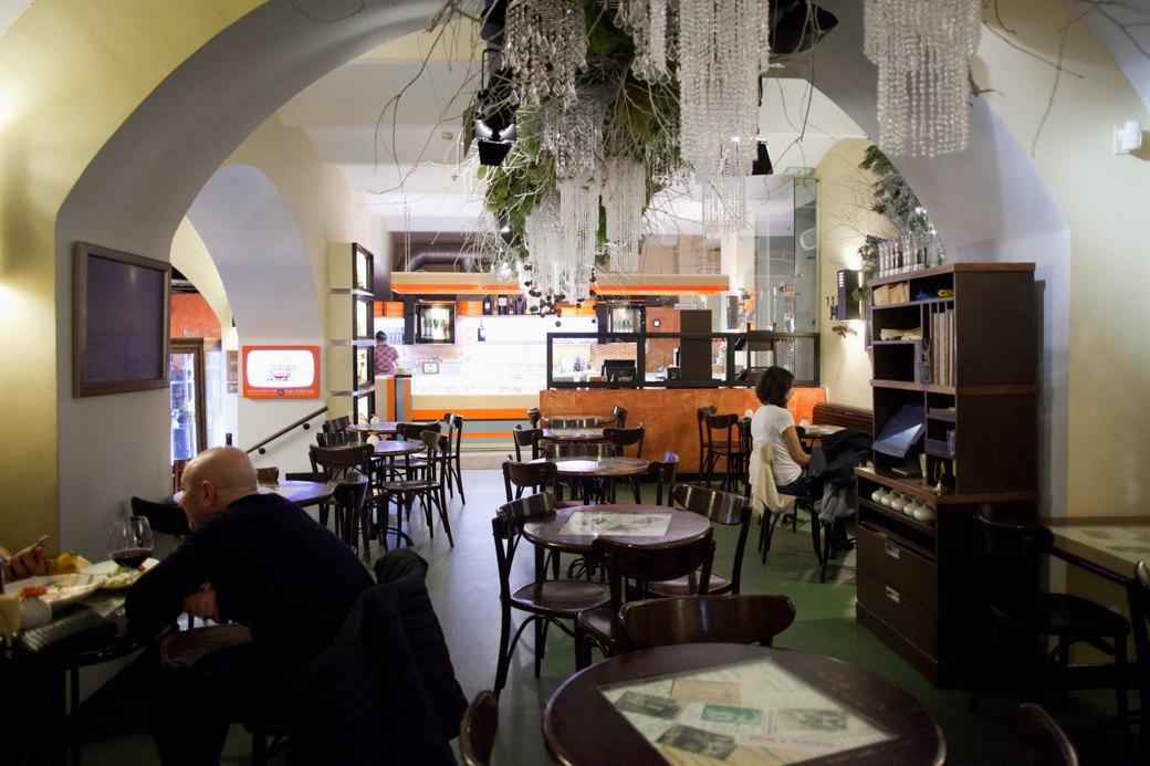 """«В """"Пушкинъ"""" ночью — это как на праздник»: Где можно поесть в Москве после полуночи. Изображение № 12."""