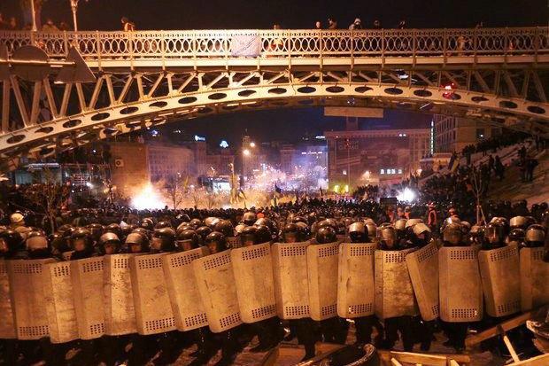 Работа со вспышкой: Фотографы — о съёмке на «Евромайдане». Изображение № 10.