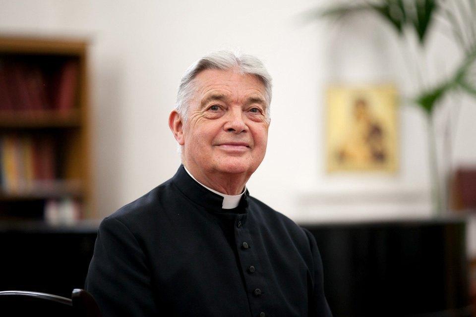 Настоятель англиканской церкви Саймон Стивенс оботъезде изРоссии. Изображение № 1.