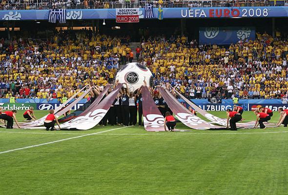800 волонтеров примут участие в церемонии закрытия чемпионата в Киеве. Изображение № 4.
