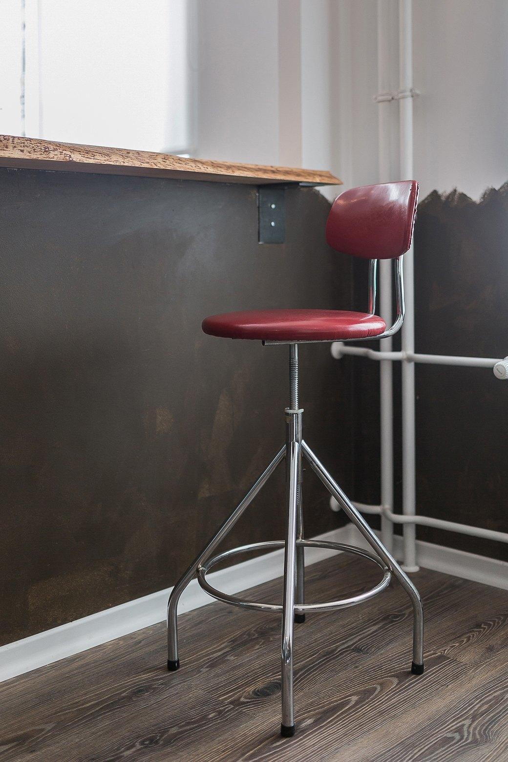 Компактная квартира вДевяткино сбарной стойкой ивинтажными элементами . Изображение № 5.