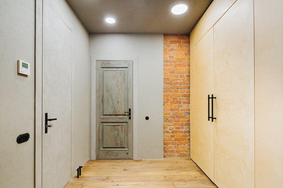 Четырёхкомнатная квартира наОстоженке скрасным холодильником и медными трубами. Изображение № 23.