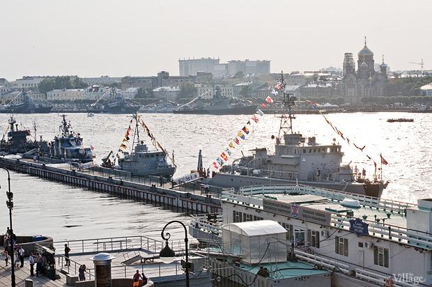 Фоторепортаж: День Военно-морского флота в Петербурге. Изображение № 2.