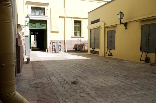 Во дворах Эрмитажа будут устраивать выставки. Изображение № 12.
