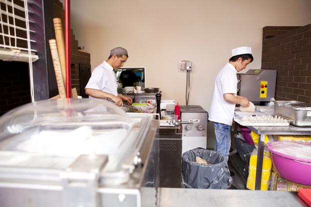На «Павелецкой» открылость кафе «Хачапури». Изображение № 18.