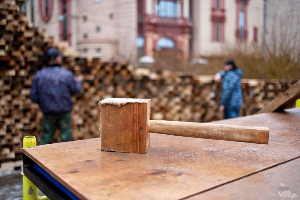 Фоторепортаж: Временный арт-объект во дворе Тургеневки. Изображение № 5.