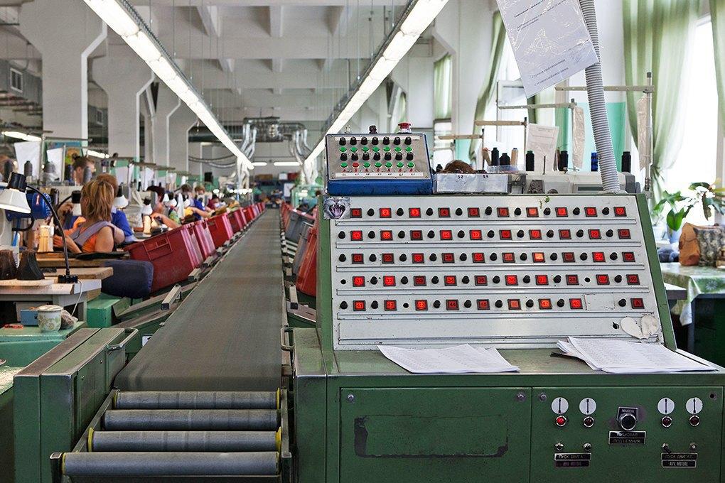 Производственный процесс: Как делают ботинки. Изображение № 15.