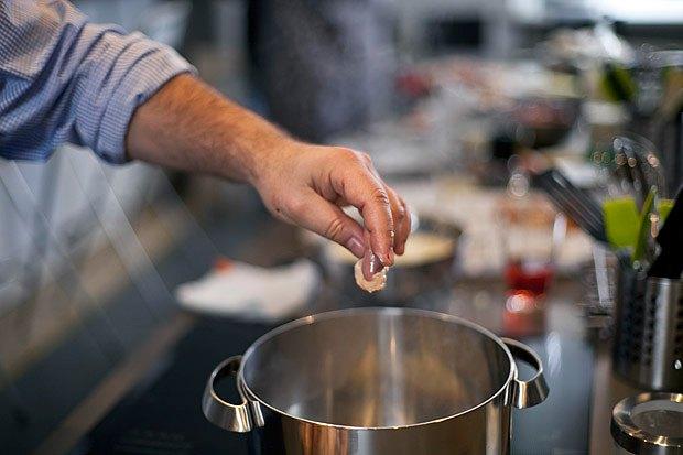 Шеф дома: Грузин и итальянец готовят по рецептам бабушек. Изображение № 20.