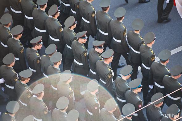 День Победы в Москве и Петербурге: Как гуляют и о чём вспоминают ветераны 9 Мая. Изображение № 41.