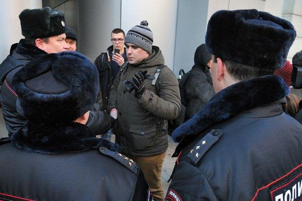 Как одеваться, стричься и худеть, находясь под домашним арестом. Изображение № 2.