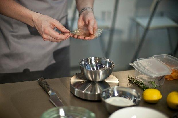 Шеф дома: Ягненок, хумус иоблепиховый десерт шефа «Стрелки». Изображение № 84.