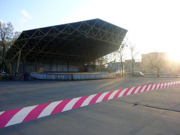 Изображение 4. В Парке им. Горького демонтировали советскую сцену.. Изображение № 4.