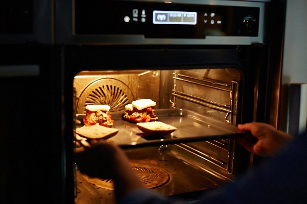 Шеф дома: Смэш-бургер и хиро-сэндвич Федора Тардатьяна. Изображение №34.