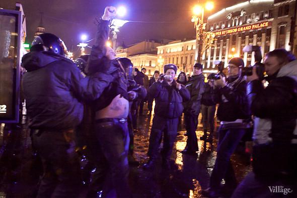 Хроника выборов: Нарушения, цифры и два стихийных митинга в Петербурге. Изображение № 16.