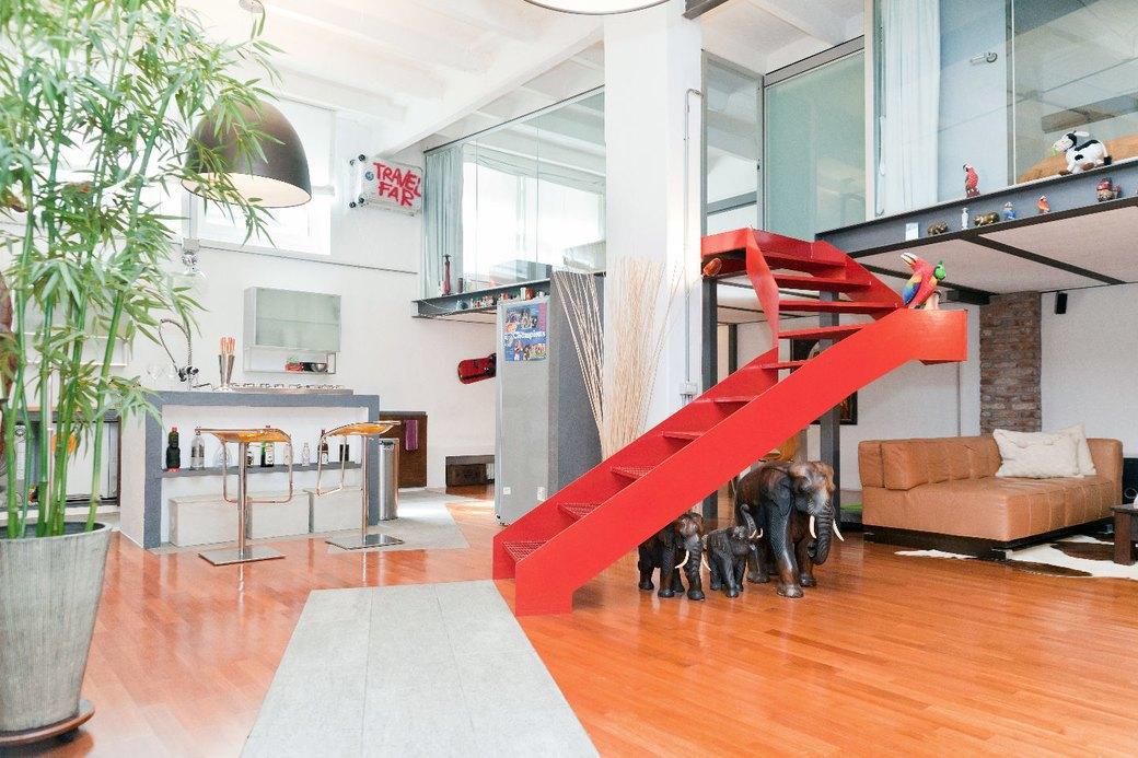 Двухуровневая квартира фотомодели в Милане. Изображение № 7.