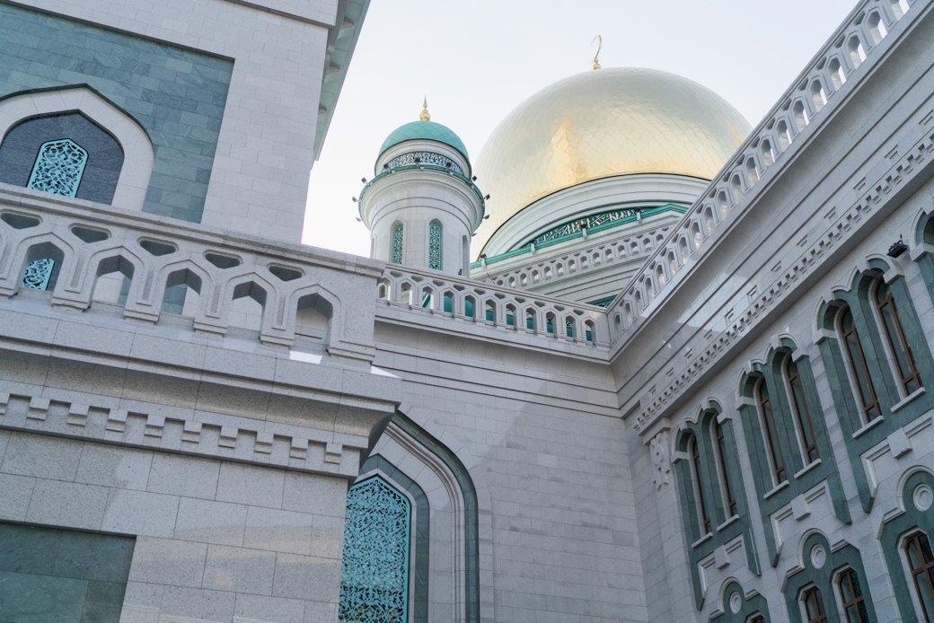 80-метровые минареты иместо для 10тысяч верующих — как выглядит Московская Соборная мечеть. Изображение № 3.