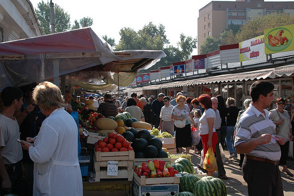 На месте закрытого Красногвардейского рынка построят огромную парковку. Изображение № 1.