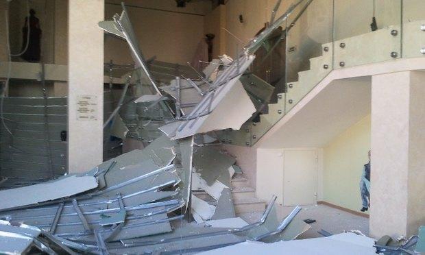 У театра «Буфф» рухнул потолок. Изображение № 1.