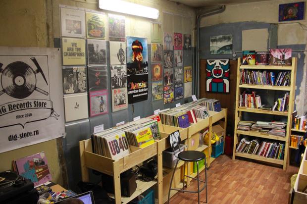В Политехе открылся обновлённый магазин винила Dig. Изображение № 3.