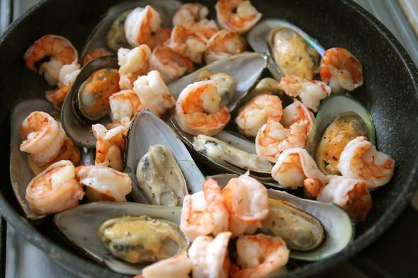 Томатный суп с морепродуктами. Изображение № 4.