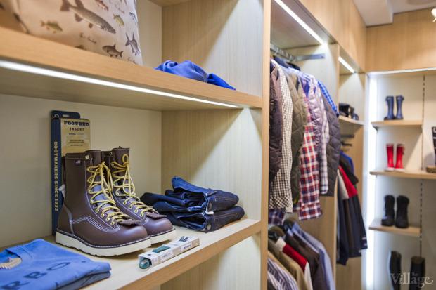 На полках: Магазин одежды «Остров». Изображение № 3.