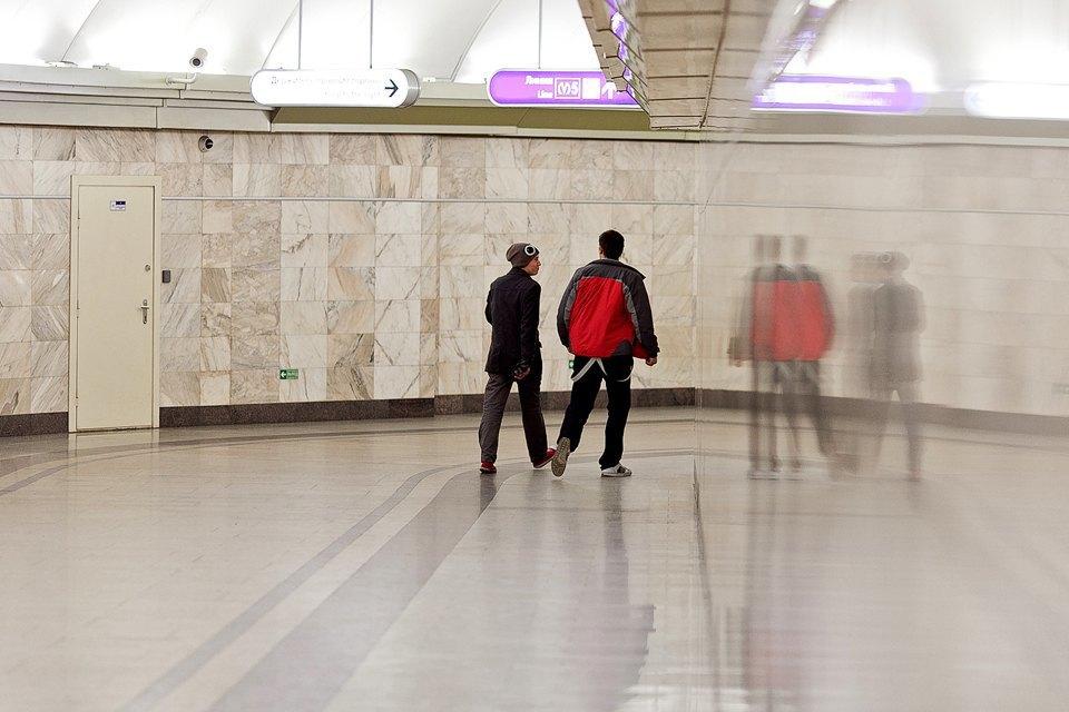 Люди в городе: Первые пассажиры ночного метро . Изображение № 2.