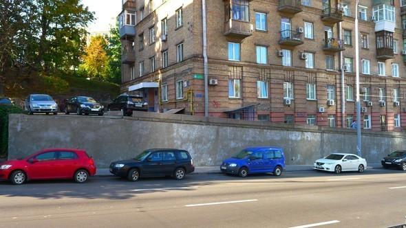 Граффитчики разрисуют бульвар Леси Украинки. Зображення № 1.