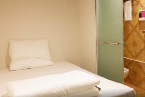 Цена запроса: Насколько дорожают гостиницы иквартиры в Новый год. Изображение № 42.