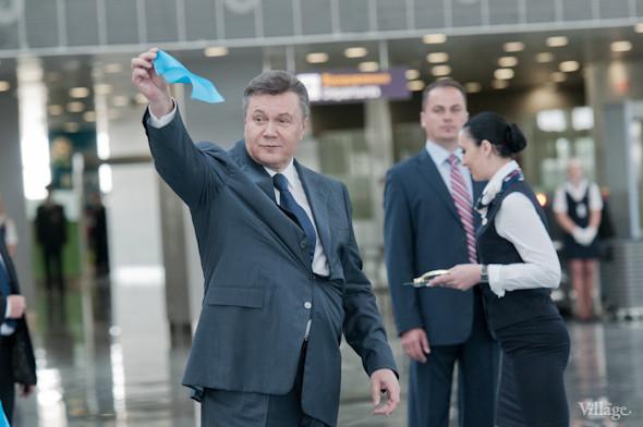 Фоторепортаж: В аэропорту Борисполь открыли самый большой на Украине терминал. Зображення № 17.