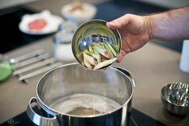 Шеф дома: Том ям и сашими из тунца Геннадия Иозефавичуса. Изображение № 45.