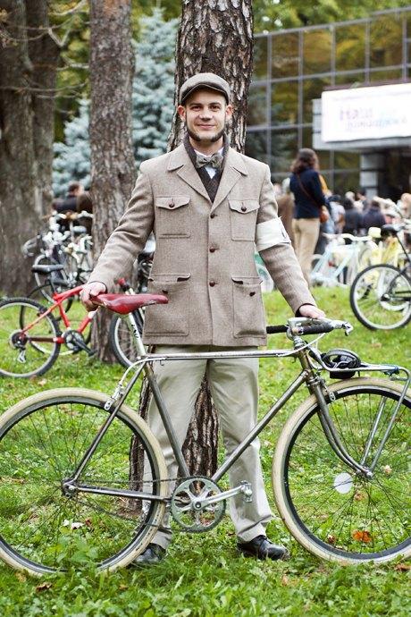 Твид выходного дня: Участники ретрокруиза — о своей одежде и велосипедах. Изображение № 10.