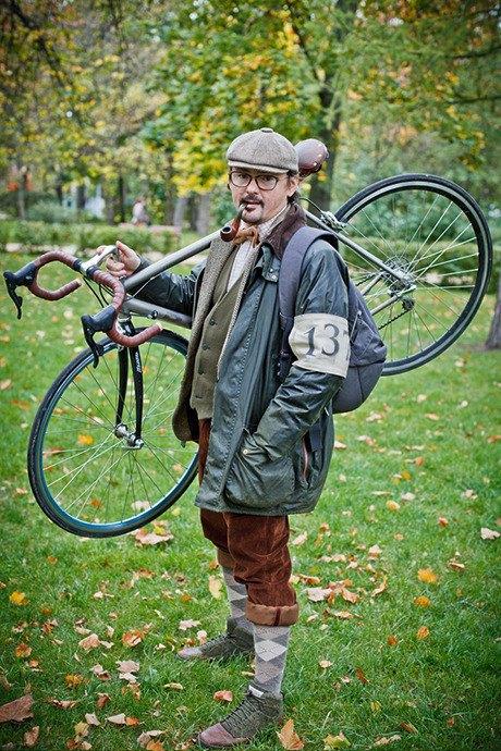 С твидом на город: Участники велопробега Tweed Ride о ретро-вещах. Изображение № 95.