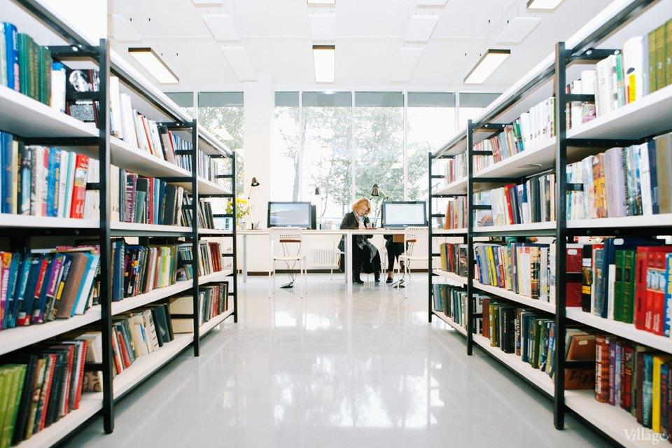 Фото дня: Как выглядит современная библиотека. Изображение № 17.