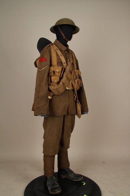 Режиссёр «Властелина колец» подарил музею вЦарском Селе несколько экспонатов. Изображение № 3.
