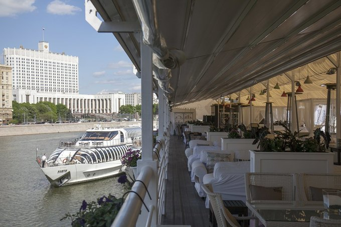 В Москве открылся ресторан греческой кухни «Ехал грека через реку». Изображение № 2.