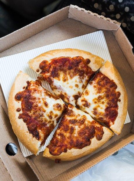 Впоисках лучшей пиццы «Маргарита» . Изображение № 18.