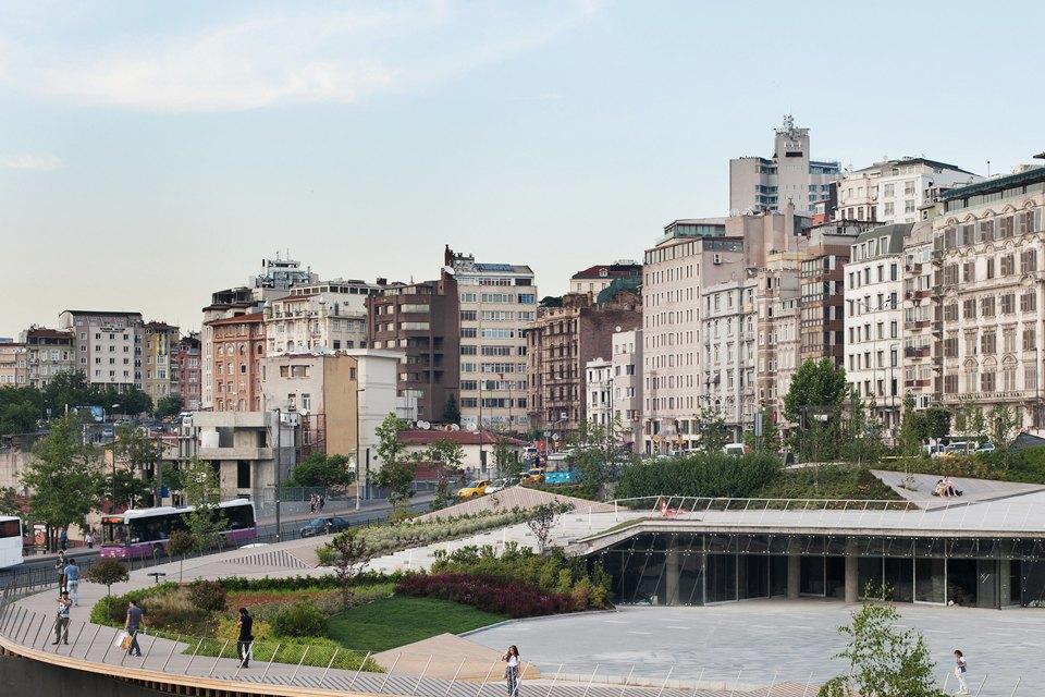 Как выглядят общественные пространства вГонконге, Бильбао идругих городах мира. Изображение № 19.