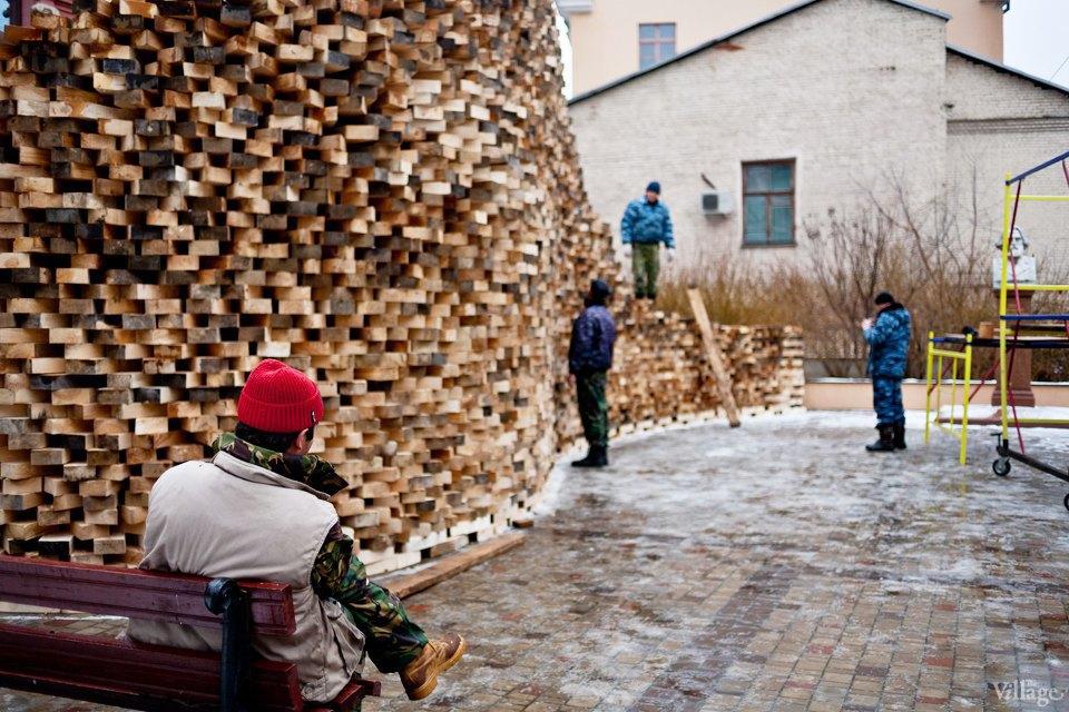 Фоторепортаж: Временный арт-объект во дворе Тургеневки. Изображение № 6.