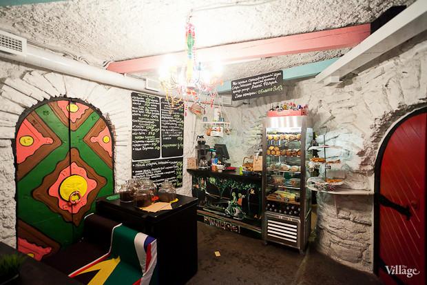 Семейная кофейня «БольшеКофе!» открылась в гроте Александровского парка. Изображение № 7.