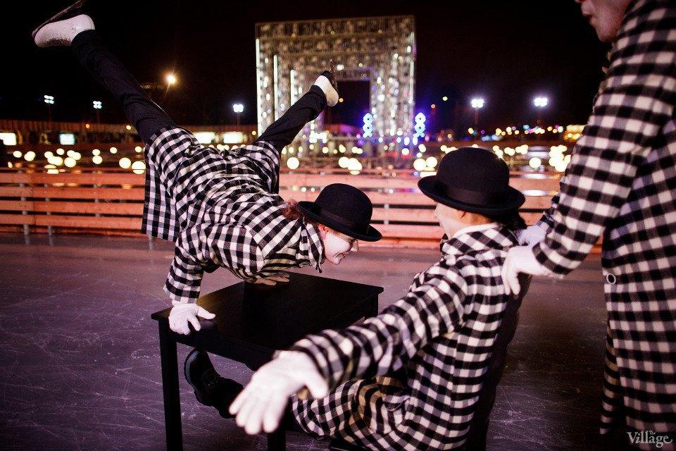 Люди в городе: Первые посетители катка в парке Горького. Изображение № 13.
