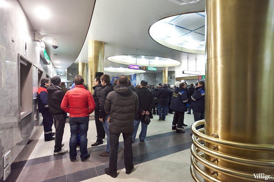 Фоторепортаж: Станции метро «Международная» и«Бухарестская» изнутри. Изображение № 18.