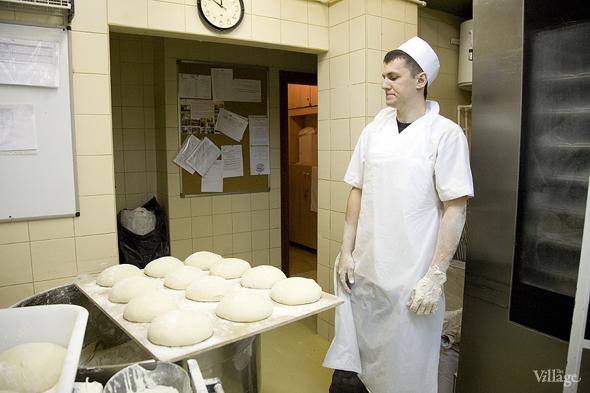 Фоторепортаж с кухни: Как пекут хлеб в «Волконском». Изображение №11.