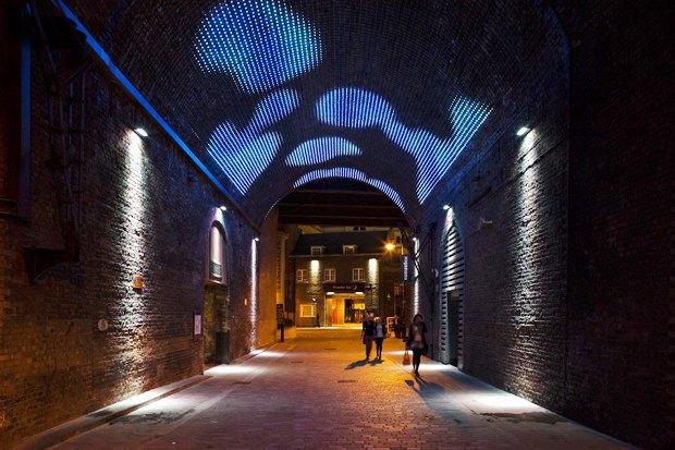 Иностранный опыт: Как световые инсталляции меняют жизнь городов. Изображение № 24.