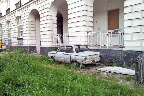 Защита сквотом: Гостиный двор оккупировали противники его реконструкции. Зображення № 4.