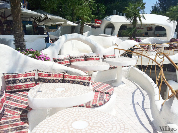 На песке: 5 пляжных клубов Одессы. Зображення № 3.