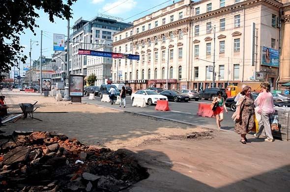 Свежая укладка: как асфальт меняют на плитку в Москве. Изображение № 5.