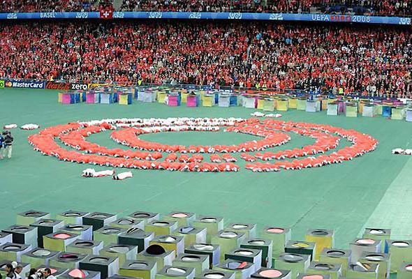 800 волонтеров примут участие в церемонии закрытия чемпионата в Киеве. Изображение № 8.